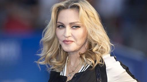 Brenda një dite, Madonna humb tre persona të dashur nga koronavirusi